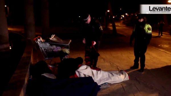 Casi 800 personas sin techo sobreviven en las calles de València