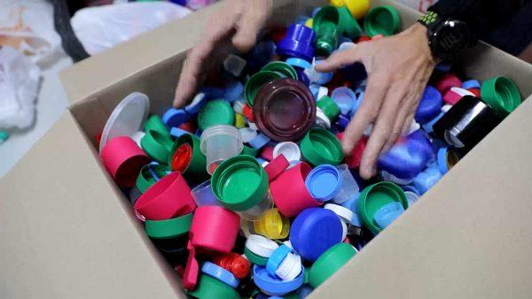 Tapones solidarios para reciclar vidas