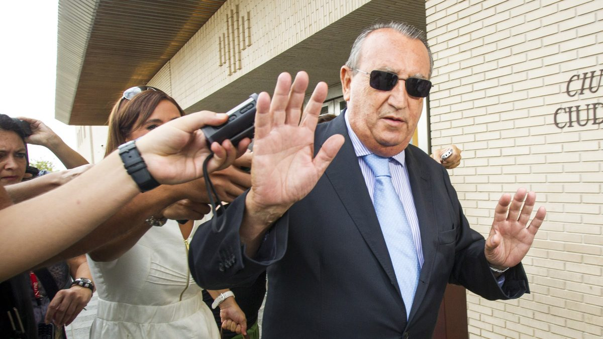 Fabra obvia en sus memorias los casos de corrupción de su etapa al frente del PP